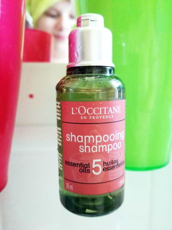 Shampoo L'OCCITANE en provence Hennahaare pflegen