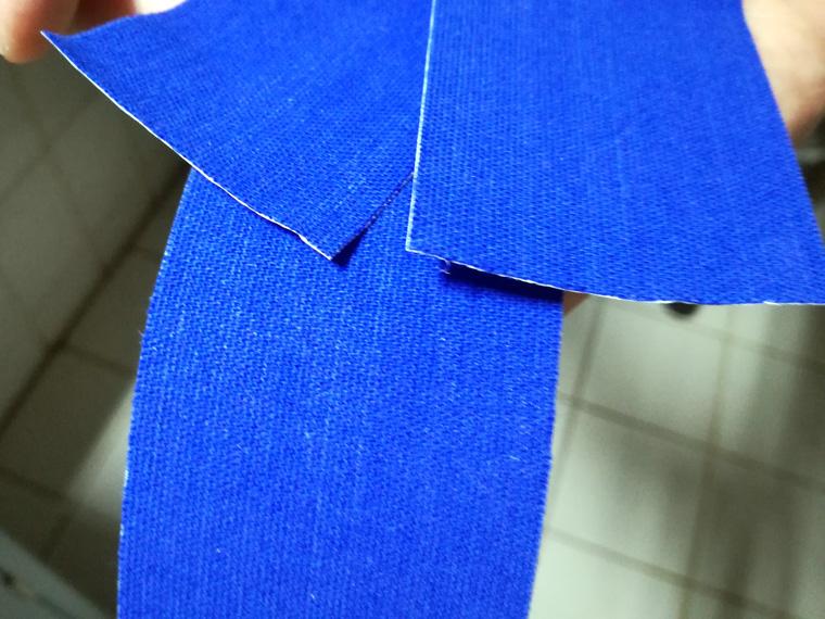 Kinesio Tape Streifen schneiden