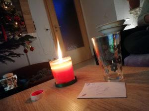 Kerze als Geschenk brennt gut und hohe Flamme