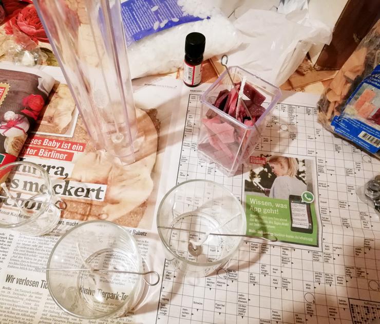 Kerzen gießen Formen in Gläsern