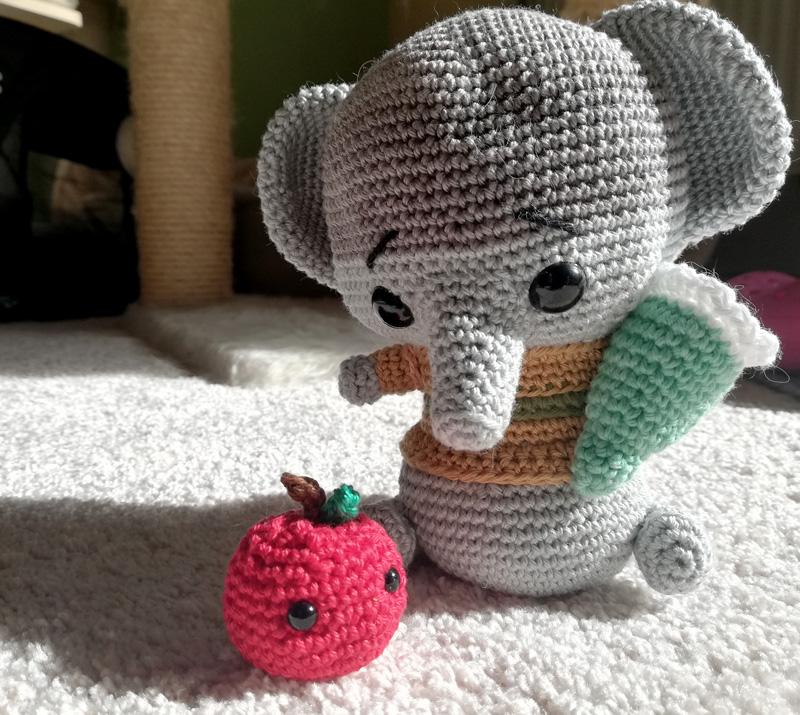 Gehäkelter Elefant für die Einschulung